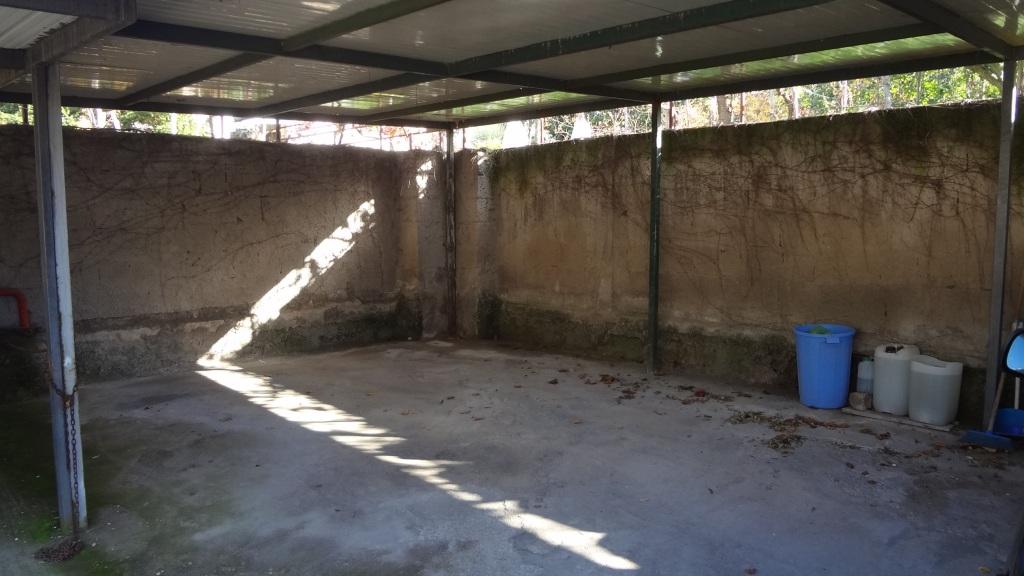 Posto auto anacapri centro house in capri for Piani di garage con posto auto coperto