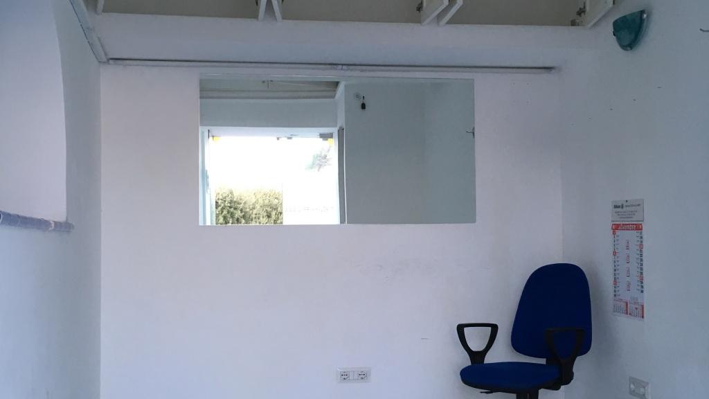 Piccolo Bagno Ufficio : Piccolo negozio in affitto a capri ideale anche per uso ufficio